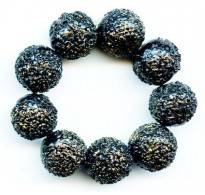 VINTAGE BLACK & GOLD SUGAR BEADS