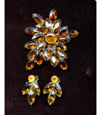VINTAGE STARBURST TOPAZ BROOCH AND EARRINGS