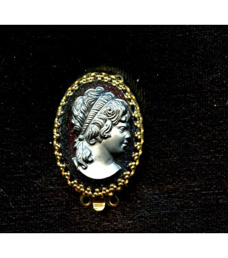 BEAUTIFUL VINTAGE TWO STRAND CAMEO CLASP