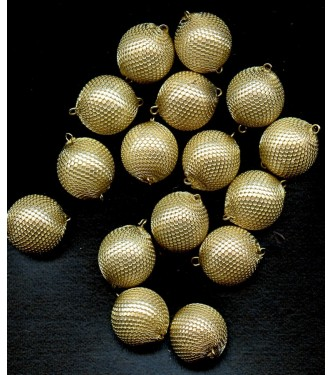 STRIKING VINTAGE MESH COVERED LUCITE BEADS