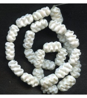 BEAUTIFUL IRIDESCENT WHITE HONEYCOMB BEADS