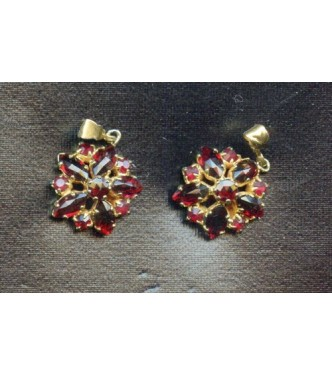 BEAUTIFUL VINTAGE  AUSTRIAN GARNET CRYSTAL DROPS