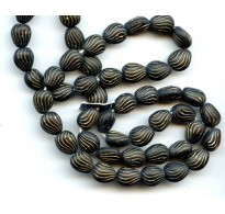 VINTAGE WG BLACK BEADS WITH GOLD LINES