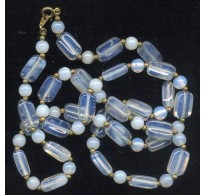 VINTAGE OPALESCENT NECKLACE